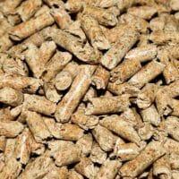 Hlavní rozdíl mezi topení dřevem a peletou